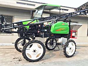 山东金奥3WPZ-700GA自走式喷杆喷雾机