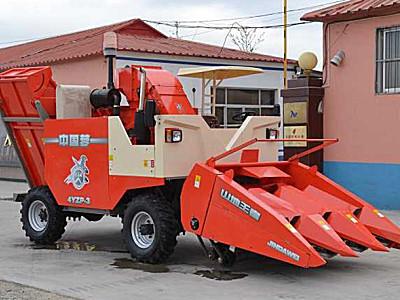 金達威4YZP-3型自走式玉米收獲機