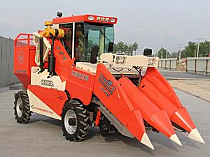 金达威4YZP-2E自走式玉米收获机
