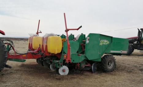 思代爾2CM-4馬鈴薯種植機