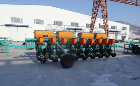 北大荒眾榮2BM-9氣吸式免耕精密播種機