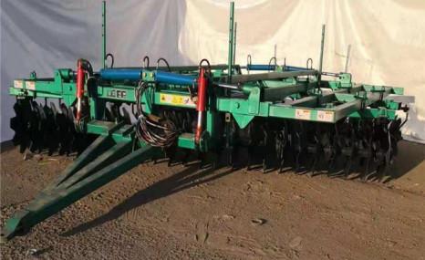 嫩江龙雨1BZ-5.3液压折叠偏置重耙