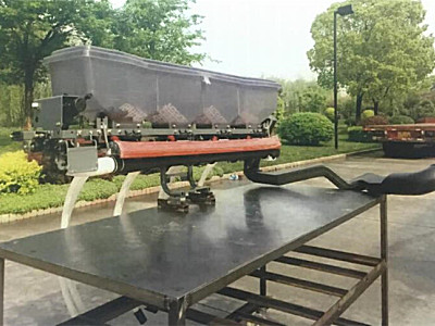 沃得2FGC-8施肥機