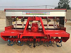冬强2BMF-12(6)免耕施肥播种机