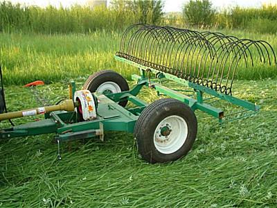 罕蘇木世杰9GL-2.1牽引式割摟一體膠輪割草機