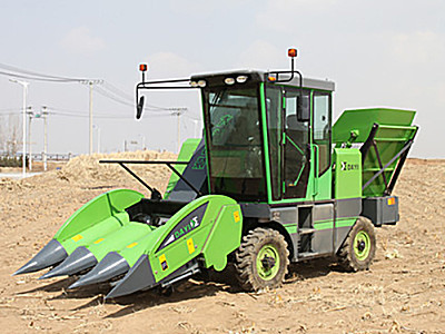 遼寧大益農裝4YZ-3D自走式玉米收獲機