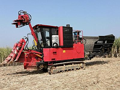 国拓重工4GL-1A整杆式甘蔗联合收获机