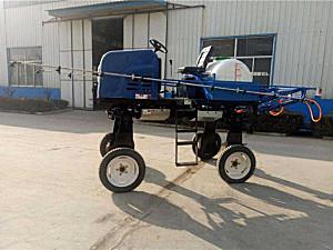 潍坊巨沃世昌3WPZ-800自走式喷杆喷雾机
