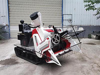富牌農機4LZ-0.6-F小型聯合收割機