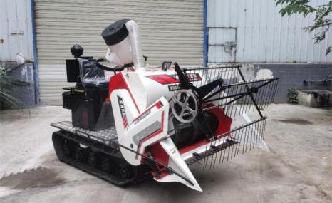 富牌农机4LZ-0.6-F小型联合收割机