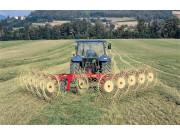 玛提克QR系列搂草机作业视频