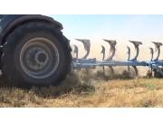 鄭州龍豐B系列翻轉犁集體耕作視頻