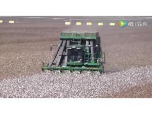 约翰迪尔7760采棉机作业视频