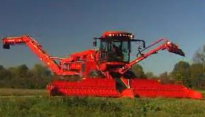 德國荷馬Terra_Felis_(TF2)甜菜清潔裝載機作業視頻