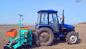 北大荒众荣2BM-4四行气吸式免耕播种机作业视频