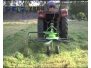 曲阜圣隆搂草机作业视频