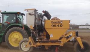 美國Double L 大型馬鈴薯播種機作業視頻