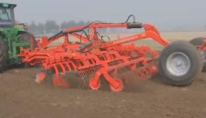 河北中友耕整地機械工作視頻