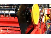 彈齒傾角調整--春雨4LZ-7小麥收獲機的調整保養
