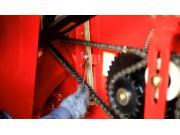 凹板间隙调整--春雨4LZ-7小麦收获机的调整保养