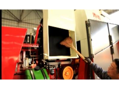 散热除尘系统保养--春雨4LZ-7小麦收获机的调整保养