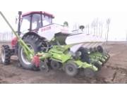 德邦大為2605氣吸式免耕精密播種機作業視頻