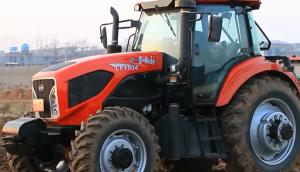 東方紅LF1504動力換擋拖拉機作業視頻