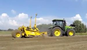 約翰迪爾8249拖拉機作業視頻