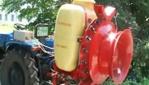 自走式果園自動對靶風送噴霧機使用技術