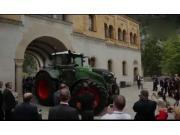 世界最大的常规结构拖拉机-芬特Vario1050型拖拉机介绍视频