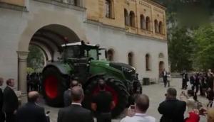 世界**大的常規結構拖拉機-芬特Vario1050型拖拉機介紹視頻