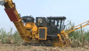 广西柳工4GQ-180甘蔗收获机小型机实地运行视频