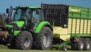 科罗尼AX系列牧草捡拾拖车-作业视频