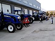 雷沃欧豹拖拉机产品展示
