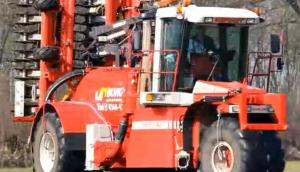 Vervaet企业自走式施肥机-作业视频