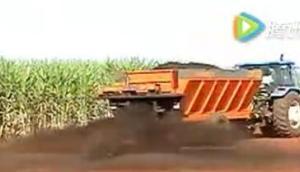 Civemasa公司DFT8牽引式撒肥機-作業視頻