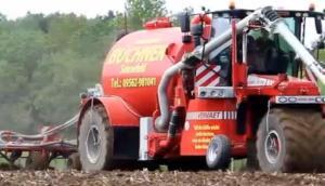 Vervaet公司Hydro Trike系列自走式施肥機-作業視頻