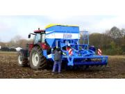 Farmet公司Digger Fert深松机和Compact播种机-作业视频