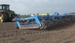 Farmet公司K1570MAX聯合整地機-作業視頻