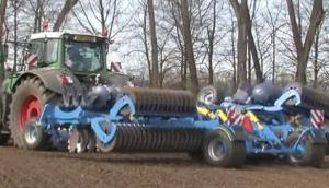 Farmet公司Softer系列折叠耙-作业视频