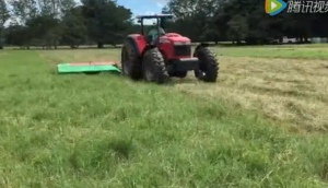 伊諾羅斯割草機作業