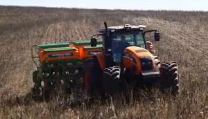 Stara公司E-Turn系列条播机-作业视频