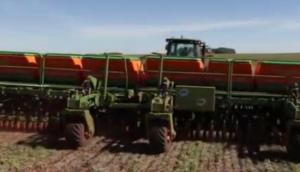 Stara公司Prima Super系列大型条播机-作业视频
