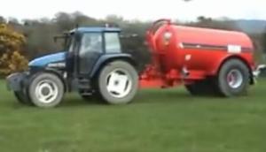 Hispec公司Vacuum系列有機肥噴灑機-作業視頻