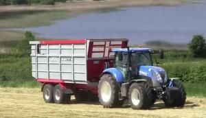 Hispec公司Kompactor系列飼料拖車-作業視頻