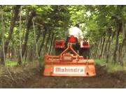 马恒达YUVO系列拖拉机-作业视频