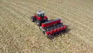 麥賽福格森MF6700R拖拉機-作業視頻