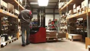 Manitou公司ES系列電動堆垛機-作業視頻