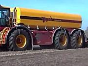 Vredo公司VT7028-3型厩肥罐车视频