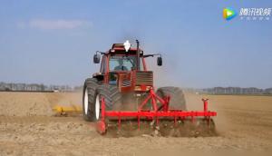 """菲亚特1880DT拖拉机+米其林宽轮胎""""80后""""拖拉机"""